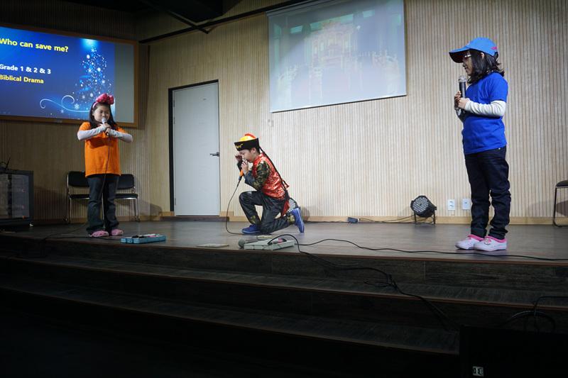성탄예배 성극발표 3막 (3).jpg