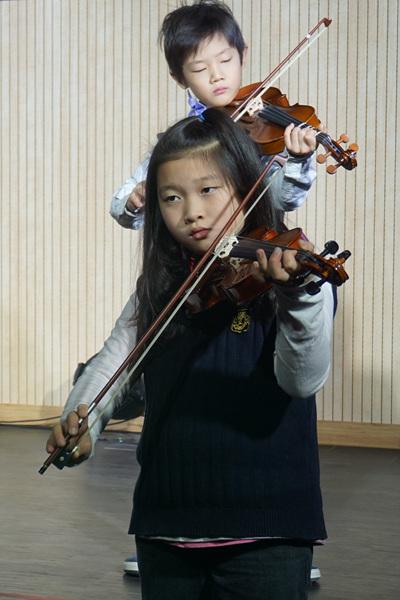 성탄예배 2학년 바이올린.jpg