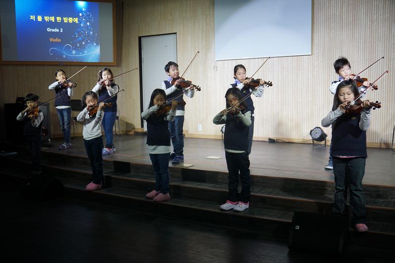 바이올린 연주.jpg